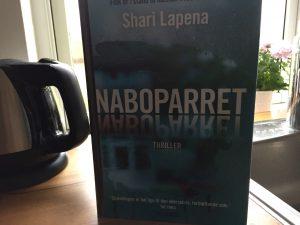 """""""Naboparret"""" af Shari Lapena"""