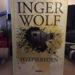 """Boganbefaling af """"Hvepsereden"""" af Inger Wolf"""