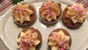 Peberkage-muffins med smørcremetopping