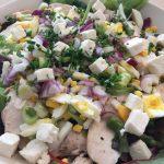 Påske-salat med vinaigrette-dressing