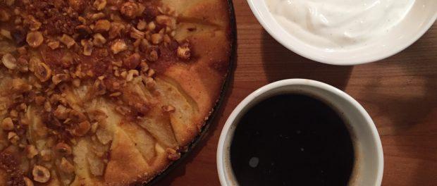 Pæretærte med hasselnøddekrokant