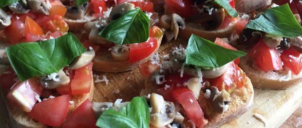 Bruschetta med tomat og champignon